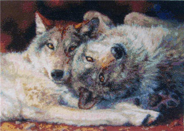 Вышивка пары волков