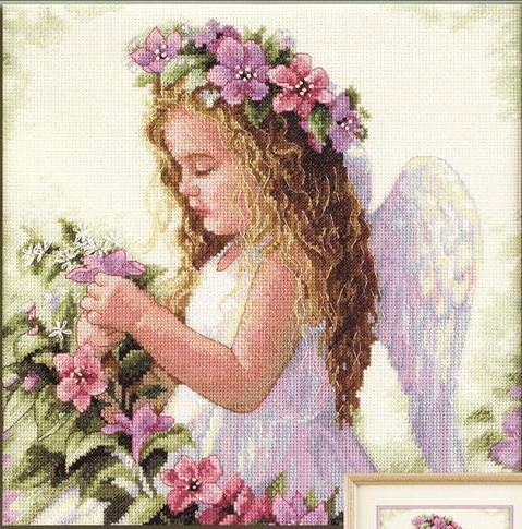 Ангелочек вышитый крестом