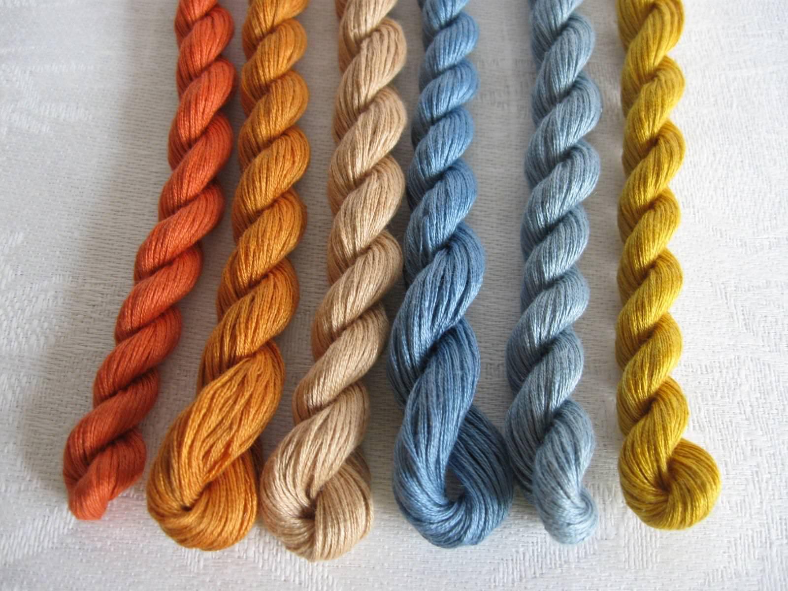 Коса из ниток для вязания