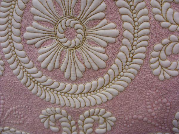 Элемент вышивки трапунто