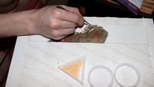 Выкладка алмазами на канве