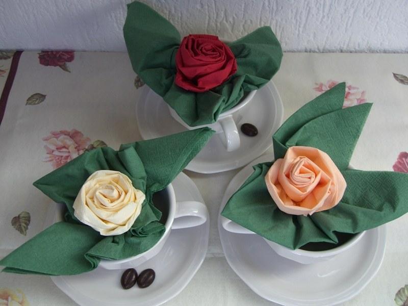 Салфетки на стол своими руками цветок