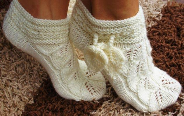 Вязание спицами ажурных носков