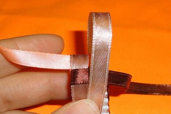 Как делать фенечки из ленточек своими руками