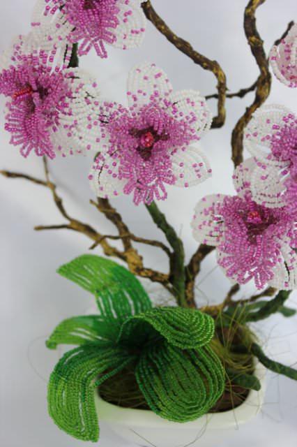 Листья орхидеи из бисера