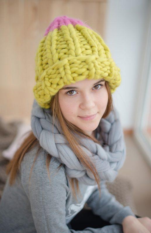 Вязание крупными спицами шапка 87