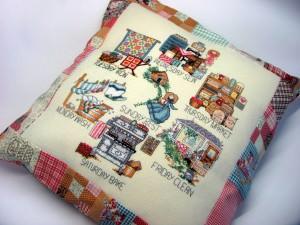 Исходя из изделия которое вы вышиваете выбираем ткань