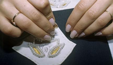 Мастер-класс по вышивке бисером узоров на ткани