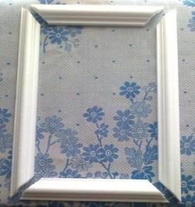Как сделать рамку для вышивки из потолочного плинтуса
