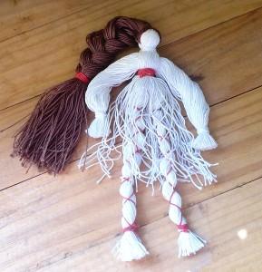 Собираем куклу из ниток
