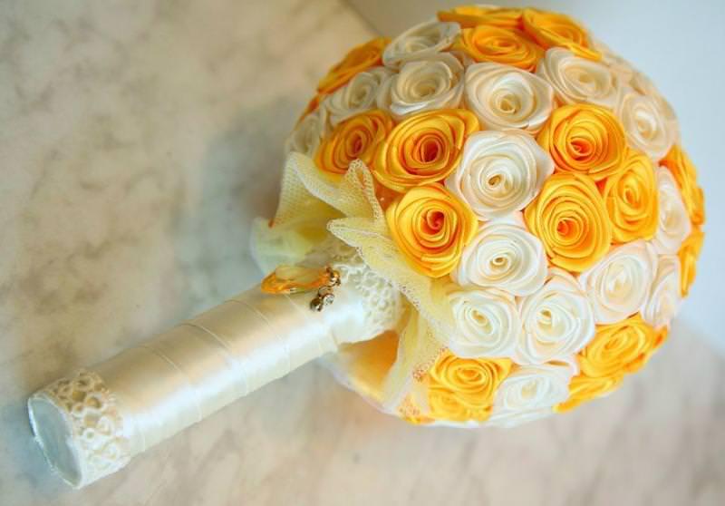 Букет из атласных лент на свадьбу своими руками