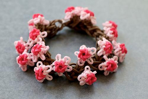 Как сплести цветок из резиночек: мастер-классы (фото)