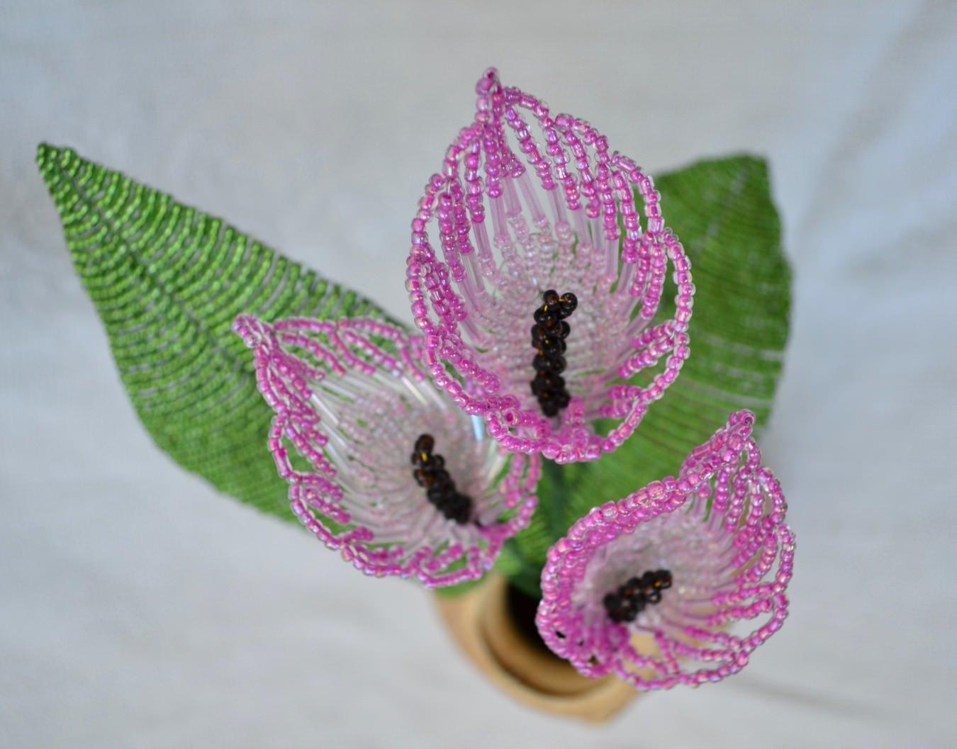 Каллы из бисера: элегантные цветы своими руками (фото)