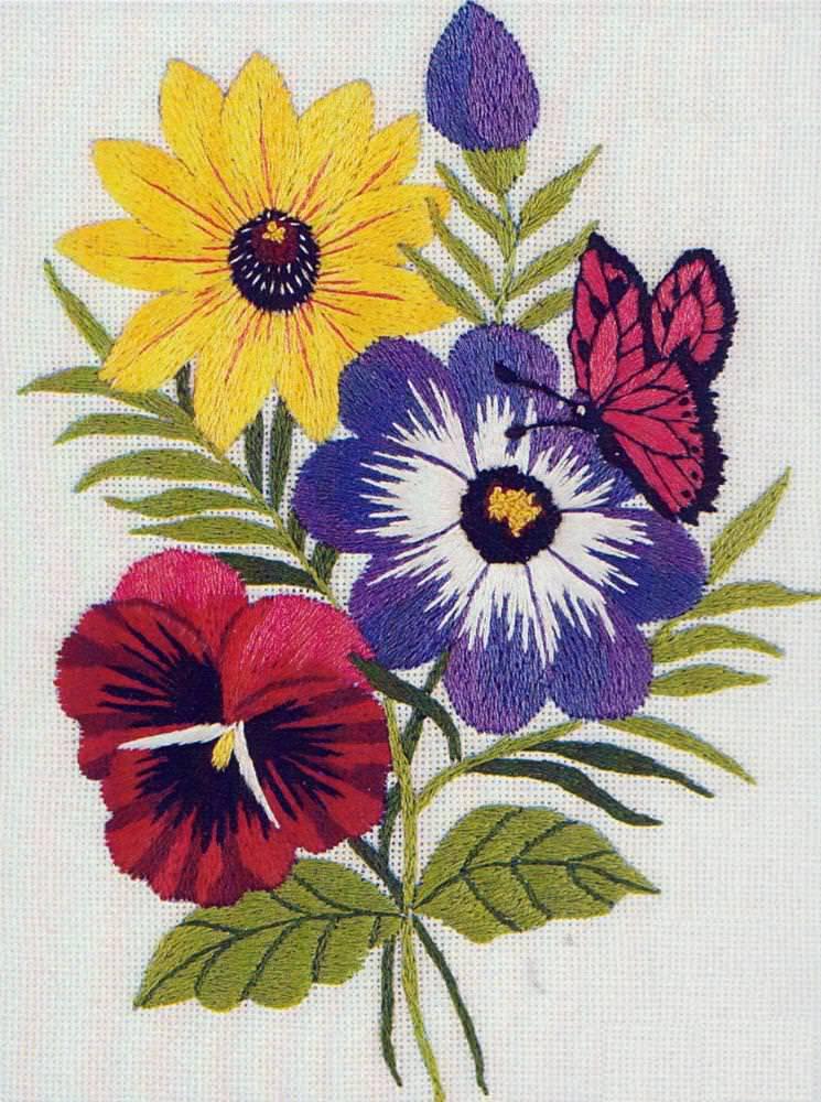 Изображение цветов в вышивке