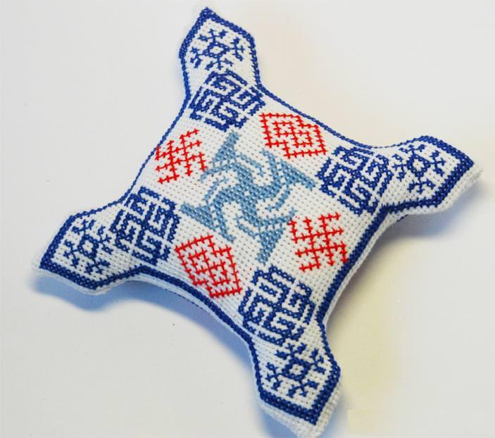 Как правильно вышивать славянские обереги