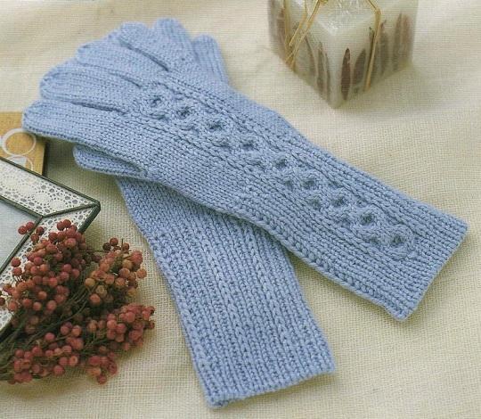 Вяжем перчатки спицами