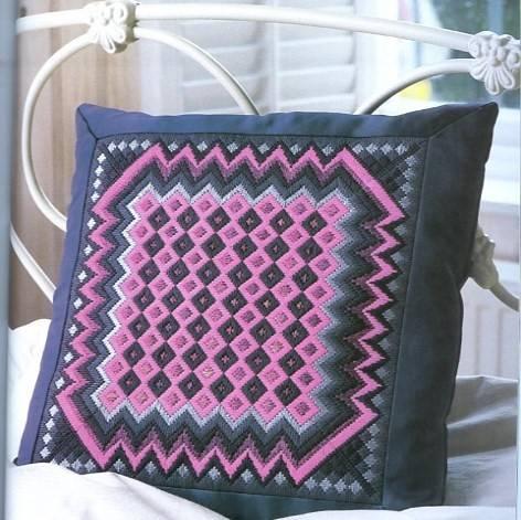 Изделия с вышивкой барджелло